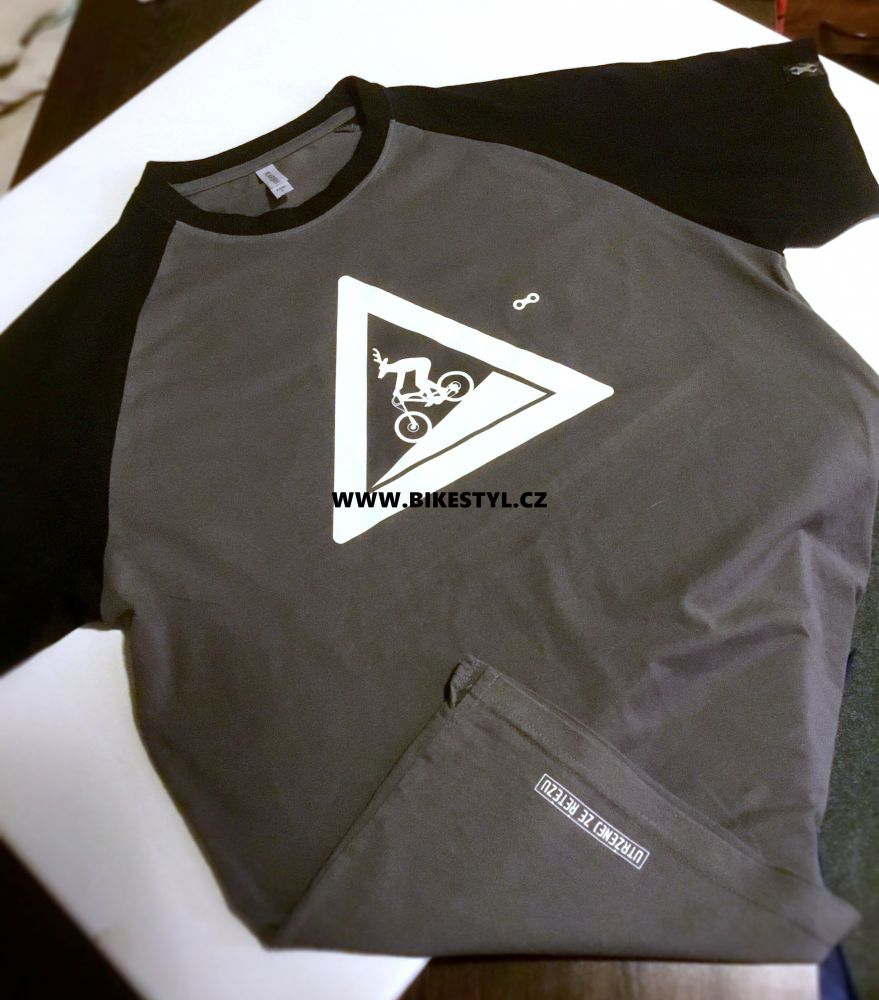 Tričko Utrženej Ze řetězU black-grey Original T-shirt